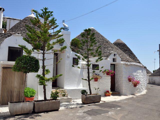 City break Bari & Alberobello, 80 eurp/p (zbor+cazare+transfer)