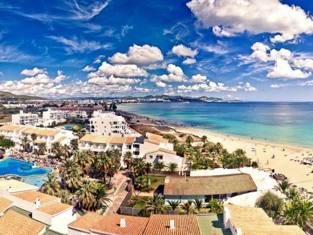 Vacanta in Ibiza, 221 euro/pers (zbor+cazare 5 nopti)