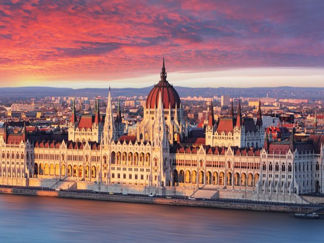 City break Budapesta, 79 euro/p (zbor+cazare 3 nopti)