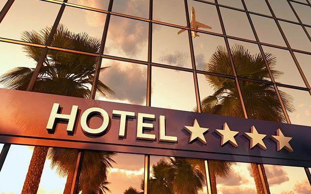 Hoteluri de 4* cu piscina din Romania, sub 50 euro/noapte/camera dubla