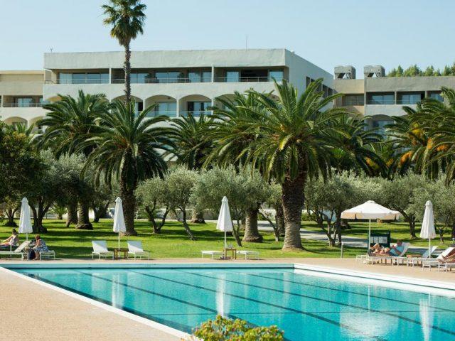 Hoteluri de  4* si 5* in Halkidiki, de la 31 euro/pers/noapte (accesbile cu masina)