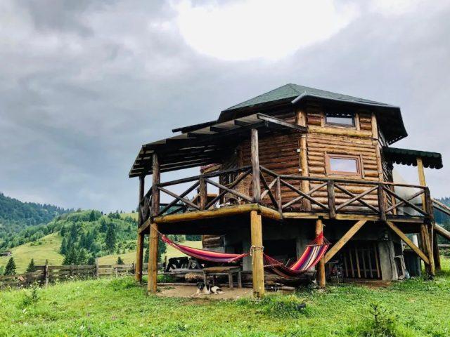 The hammock cottage – Cazare inedita in inima Bucovinei