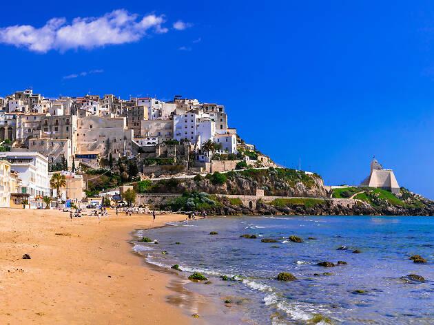 8 plaje superbe, accesibile din capitala Italiei, Roma